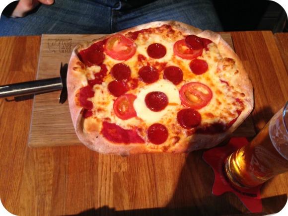 pepperoni pizza, Fat Pug